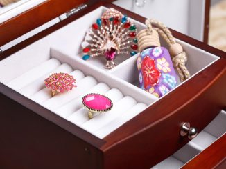 A Guide to the Best Jewelry Box Makers - Jewelry Boxes