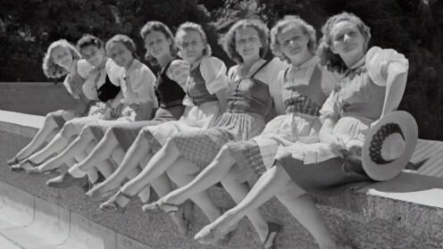 1940s Fashion: Top Ten Trends