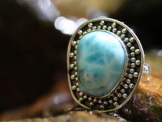How to Select Quality Larimar Jewelry
